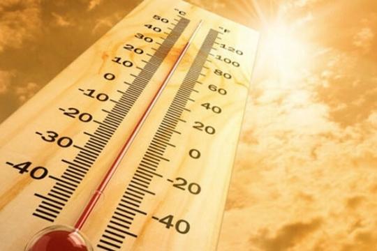 Nắng nóng, tia UV chạm mức cảnh báo | Đây là những việc bạn cần làm để bảo vệ da